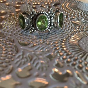 Jewelry - Sterling silver peridot ring